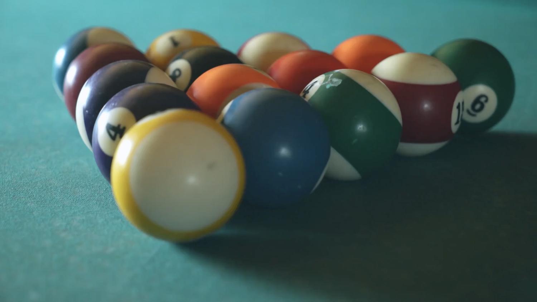 billiards ready for break